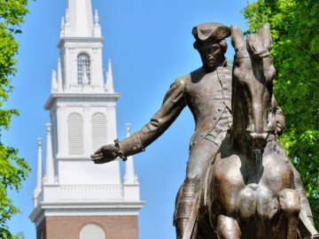 paul-revere-statue-and-old-north-church-photo_1338131-770tall