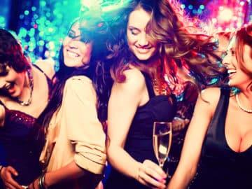 girls-clubbing